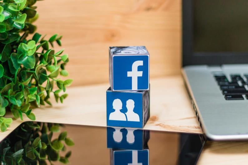 """Facebook testuje """"alerty zaangażowania"""" w grupach tematycznych"""