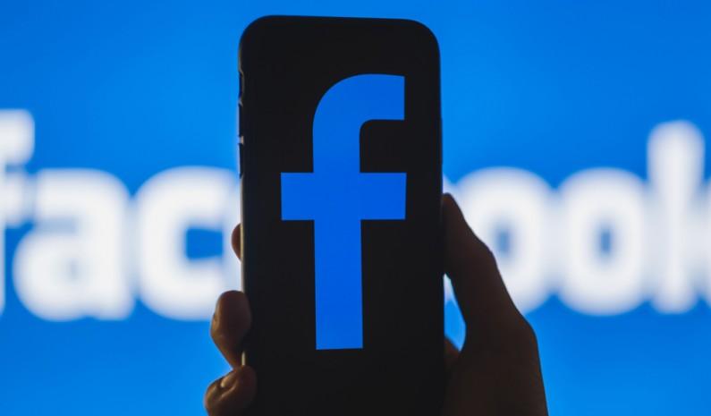 """Facebook """"grozi"""" europejskim użytkownikom. Czy zablokowanie serwisu w Europie jest realne?"""