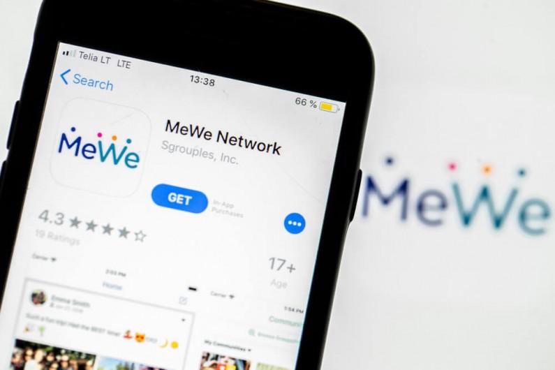 MeWe dba o prywatność, a tym samym zabiera użytkowników Facebookowi