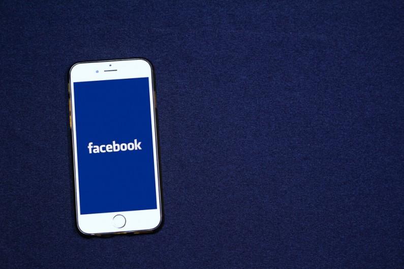 Facebook zachęca do niewyłączania opcji śledzenia danych użytkowników