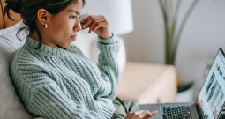 Wydatki na reklamę online w roku 2020 – wyniki badań