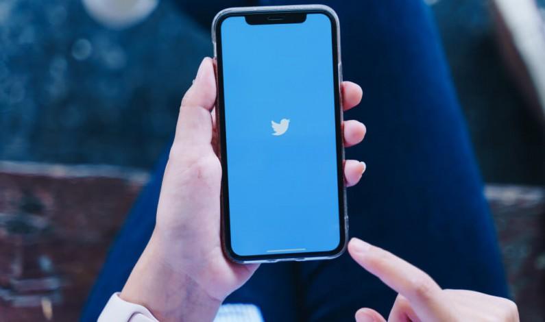 Twitter dodaje napisy do tweetów głosowych