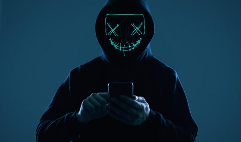 Między influencerem a hakerem. Poznajcie nową grupę twórców promujących działania krymianalne