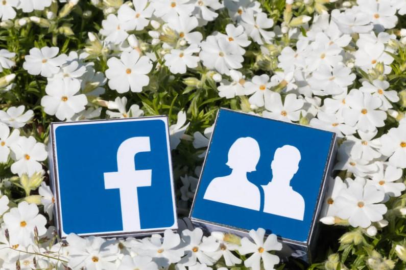 Facebook chce zwiększyć zaangażowanie w grupach. Dlatego wprowadza nagrody dla społeczności