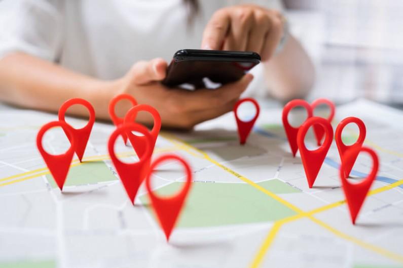 Wyszukiwarka map – nowe narzędzie na Instagramie wspierające firmy i lokale