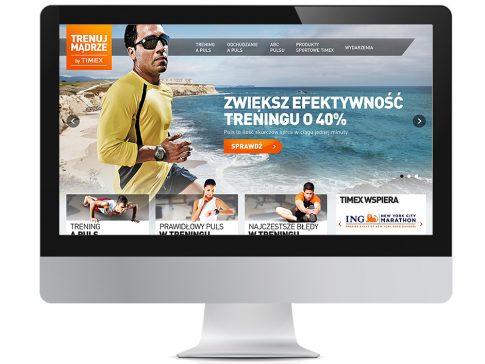 Rys. 1. Jedna z odsłon strony głównej serwisu www.trenujmadrze.pl