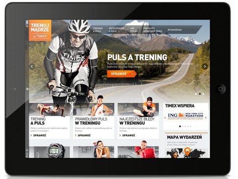 Rys. 2. Jedna z odsłon strony głównej serwisu www.trenujmadrze.pl