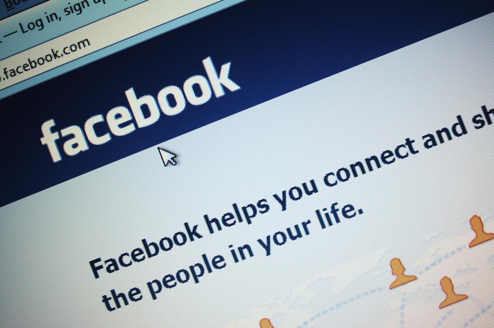 fot. Facebook wykorzystuje sztuczną inteligencję do tłumaczenia postów