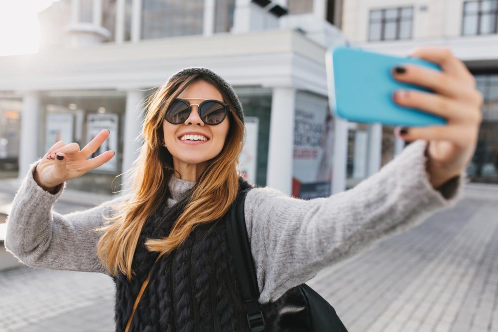 fot. Facebook zweryfikuje Twoją tożsamość prosząc o selfie