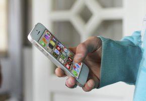 iphone-830480_1920