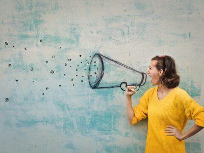 fot. Dlaczego komunikujemy się z markami za pomocą social media?