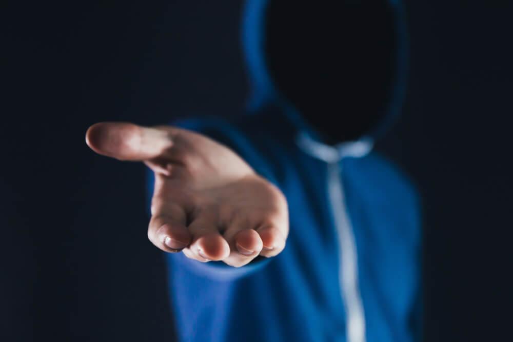 cyberzprzestepca, dłoń