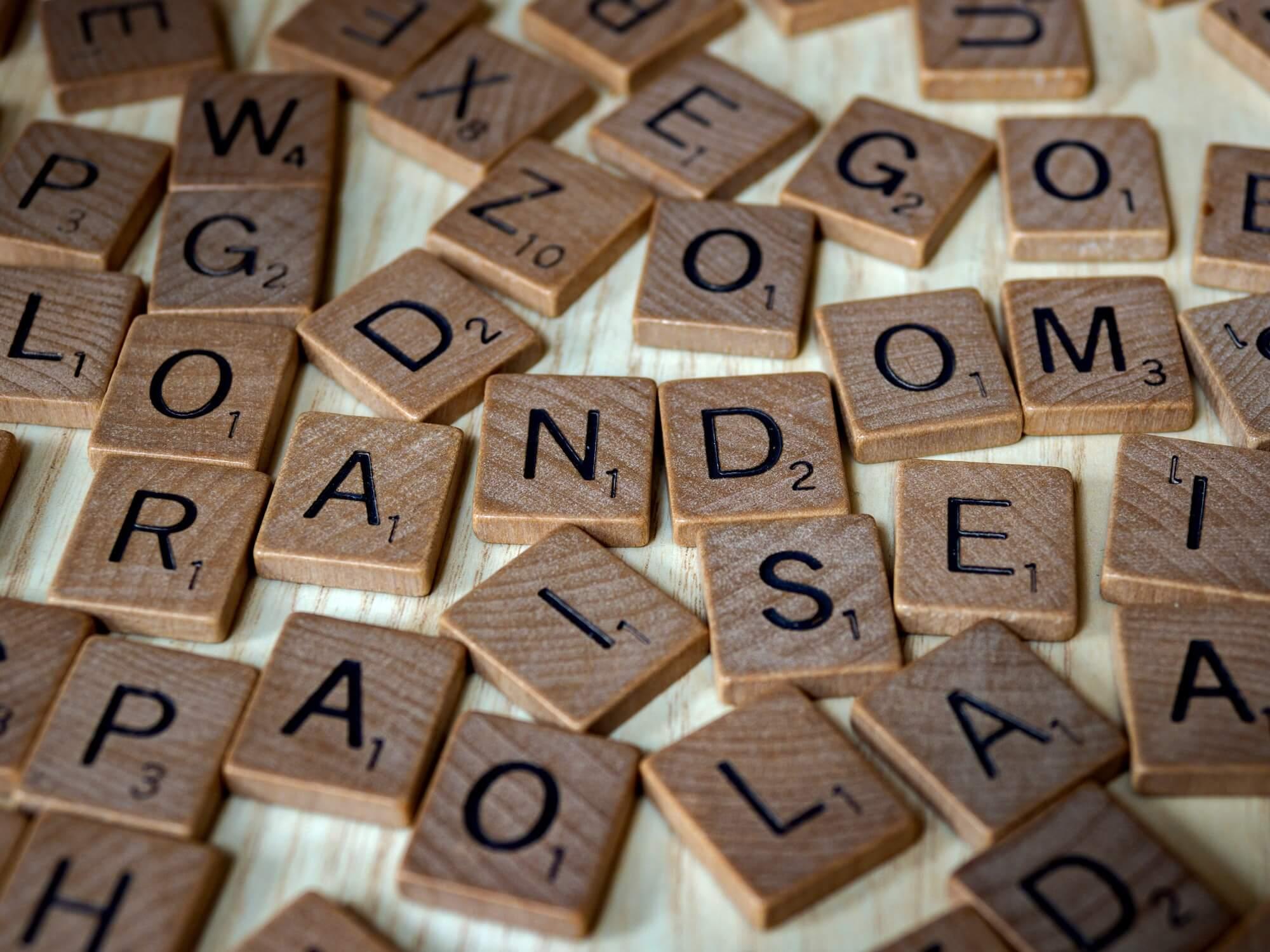 drewniane litery