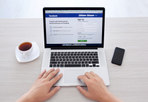 Facebook wprowadził reklamy natywne